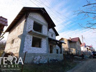 Se vinde casă in Dumbrava ! 250 mp! 2 nivele+mansardă!