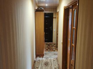 Se vinde apartament cu trei odai