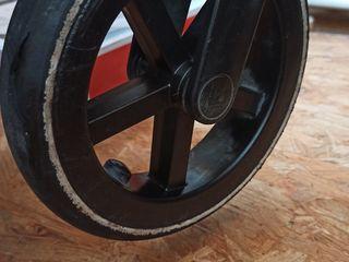 Продается фирменная коляска cybex 3в1