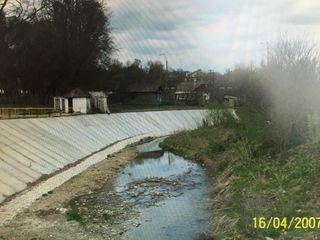 vindem teren pentru constructie in Lipcani -ideal afacere - piata, peco, benzinarie s.a.