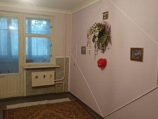 Продаю 2хкомнатную квартиру на 2-м этаже, мкрн.Б.Фонтан