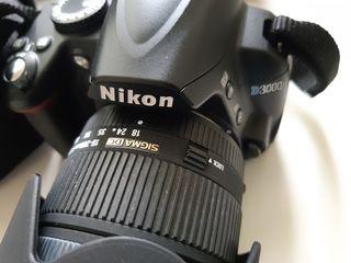 Никон nikon d3000  + sigma (made in japan) + бленда + инструкции на 10 языках