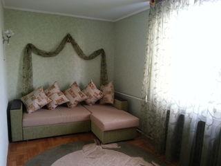 Euro reparatie!Apartament cu 2 odai, Buiucani str.Alba Iulia ,Flacara,conditili super.Pret 220 evro!