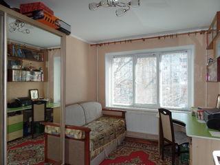 Botanica, apartrament cu 3 odai, MS, 72 m2,  incal. autonoma - 51000e