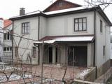 Внимание хороший  2-этажный  дом в  Яловенах по  ул Матиевича