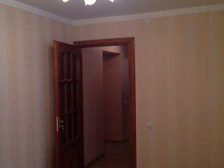 Se vinde apartament in or Soroca str.Vasile Stroiescu 88/1 et 4/9 cu reparatie euro.