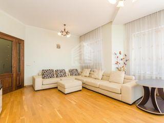 Chirie, Apartament de Lux, Complexul Rezidențial Crown Plaza, Centru str. București, 750 €