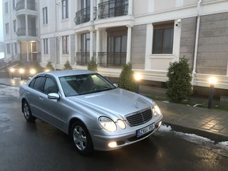 Mercedes in chirie . Ideal si eftin