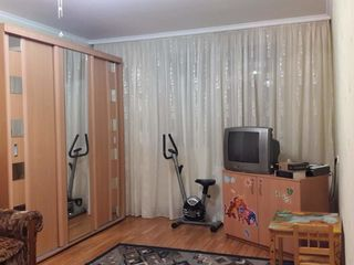Vind apartament!pret negociabil