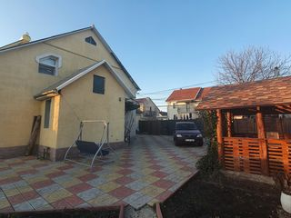 Частный дом - 2 этажа, 110 м , участок 7.5 соток - 4 комнаты , 2 санузла + пристройка