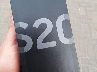 Samsung Galaxy S20 DualSim - 660 €. Gray / Blue  Гарантия 2 года! Запечатанный!