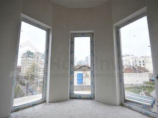 Compania de Constructie vinde - 2odai s.Centru, str.Moara Rosie