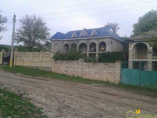 Casa in 2 nivele166m2 la doar 34km de Chisinau