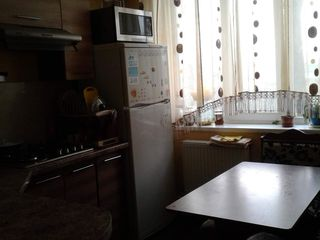 Apartament cu 2 odai,