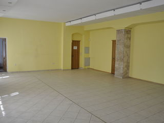 Сдаем офис 300м2 на ул. Букурешть !!!