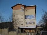 Срочно под офис аренда 1200 лей в месяц за кабинет 10 кв. метров !!!
