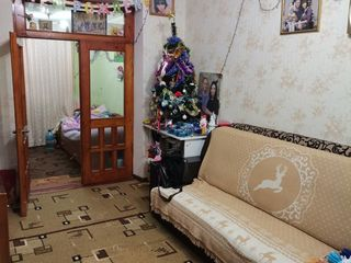 Продается 3-комнатная квартира с автономным отоплением середина, индивидуальный дизайн. Этаж 1 из 5