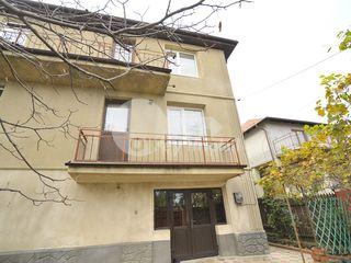 Duplex, 250 mp, Codru, str. Bujorilor 74900 € !