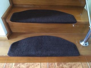 Коврики - накладки на ступени против скольжения новые, размер 65х24 см, цвет кофе, имеется 16 штук