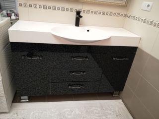 Dulap pentru baie+ lavuar, robinet