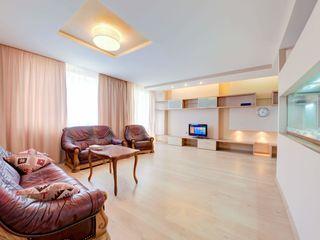 Apartament 147 mp, str. Petru Movila, 175.000 euro.