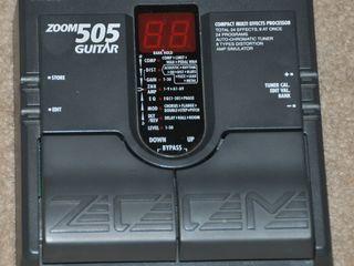 Продам процессор Zoom505 Japan с блоком 700 лей процесср Digitech rp 50 с блоком цена 900 лей процес