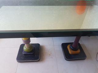 Столы со стеклянной столешницей внутри с зеркалом в отличном состоянии!