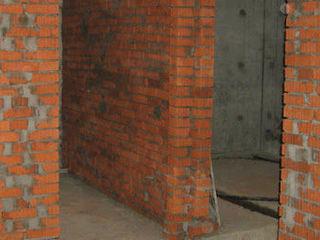 Кладка перегородок, стен, колонн