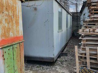 Oficiu mobil cu marimea 8m în stare bună cu 2camere și bloc sanitar.Importat din Italia