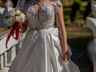 Vând rochie de mireasă la preț avantajos.