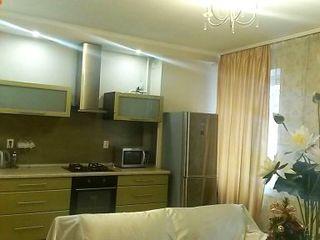 "Апартамент - возле "" Sun City "" , ул.Puşkin 30, сдаем 24/24."