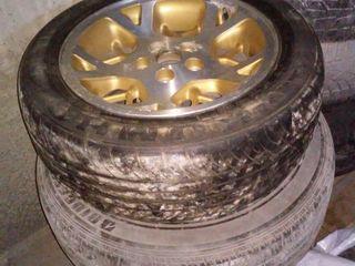 Шины с литыми дисками и железными, б/у, разного размера, R15, R16, R17, цена договорная Dunlop