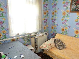 Продаем срочно 3-комнатную квартиру на земле в г. Рыбница в районе винзавода у воинской части=$6990
