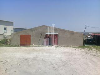 Se vinde Spatiu Comercial cu oficiu - 1000 m2 pe teren de 27 ari, r-nul Ialoveni