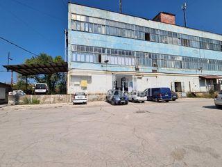 Chirie spațiu pentru producere/depozitare, 320 mp, str. Petru Rareș 728 €