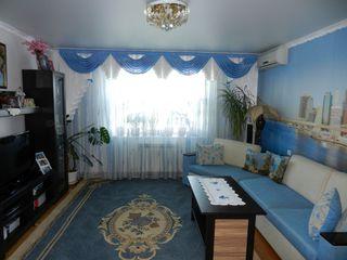 Se vinde apartament cu 3 camere, seria 143, euroreparație, încălzire autonomă, Buiucani, Alba-Iulie