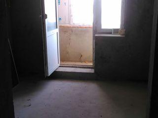 Vand apartament la Floresti! Apartamentul este gol, pozele sunt reale!