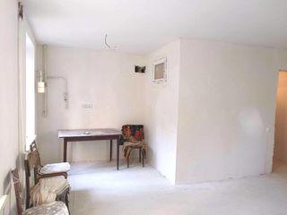 Продам 1к квартиру, 35м2, Т.Владимиреску, Новая эл.проводка, стеклопакеты, выровнены стены, пол.