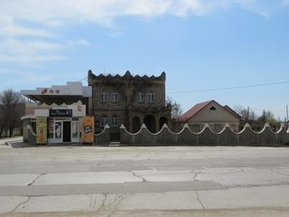 Чадыр-Лунга - 2-хэтажный дом с кафе-баром