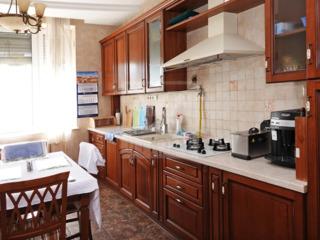 Vânzare casă în 4 nivele! Sectorul Buiucani.