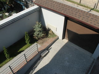 Apartament cu trei dormitoare, terasa, garaj