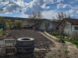 Se vinde casa ,situata in raionul Rezina satul Saharna Veche ,100m linga riul Nistru