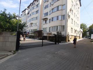 Продам 2 х комнатную квартиру в Яловенах с автономкой