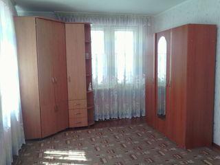 Se vinde apartament in orasul Hincesti (centru). Pret negociabil.