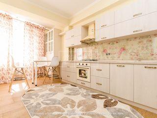 Se oferă în chirie apartament nou cu 3 camere,85 m.p, sect.Centru, 500 €