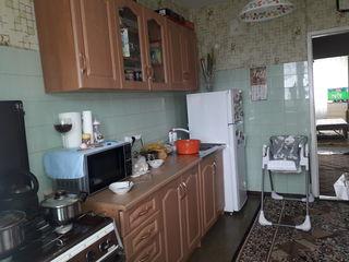 Cricova , Se Vinde apartament, centru