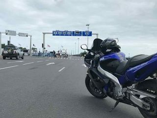 Yamaha YZF 1000 cc
