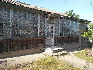 Casa cu teren 20 ar