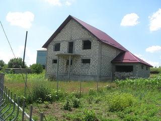 Внимание хороший 2-этажный недостроенный дом на уч. 6 сот в Данченах