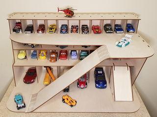 Парковки - гаражи для машинок.
